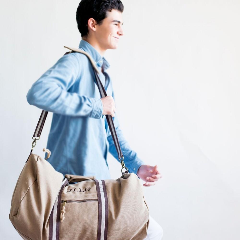 regalos puesta de largo chicos bolsa de viaje con sus iniciales