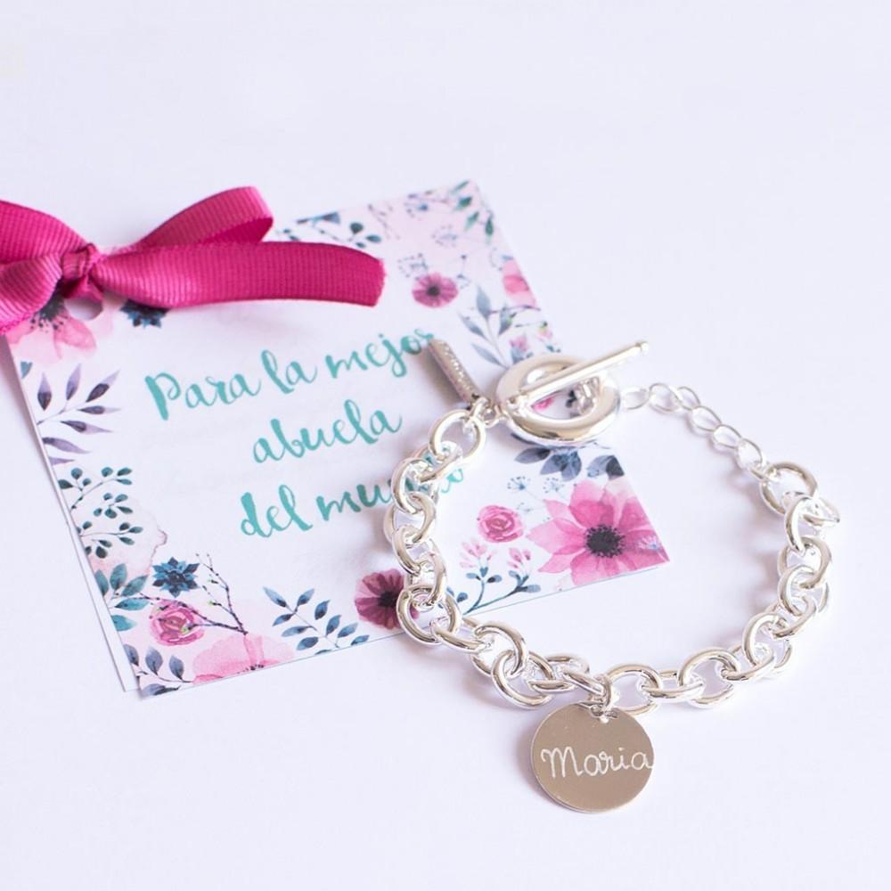 pulsera de plata grabada para regalar a abuelas el dia de la madre