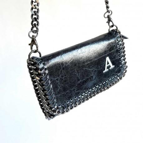 Bolso Stella de piel con cadena e iniciales