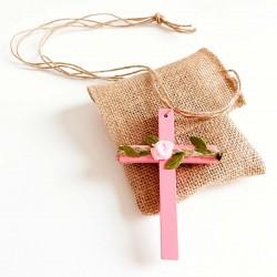 Cruz de madera Comunión rosa con rafia